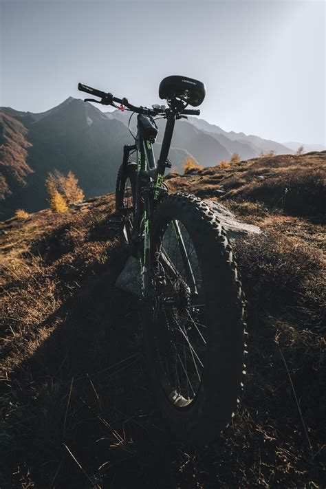 20+ Mountain Bike Pictures | Download Free Images on Unsplash