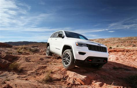 jeep grand cherokee trailhawk confirmed  australia