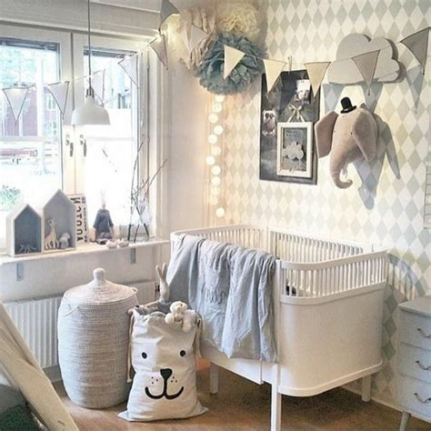 deco murale chambre bebe idées de déco chambre adulte et bébé