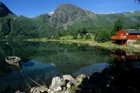 Familienglueck Ein Haus Aus Norwegen by Haus Am See In Norwegen Foto Bild Landschaft Bach
