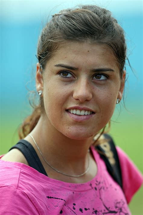 This photo gives her a level of grace i did not portray well on the battlefield. Hot Hits Female Tennis Players: Sorana Cirstea Hot Female ...