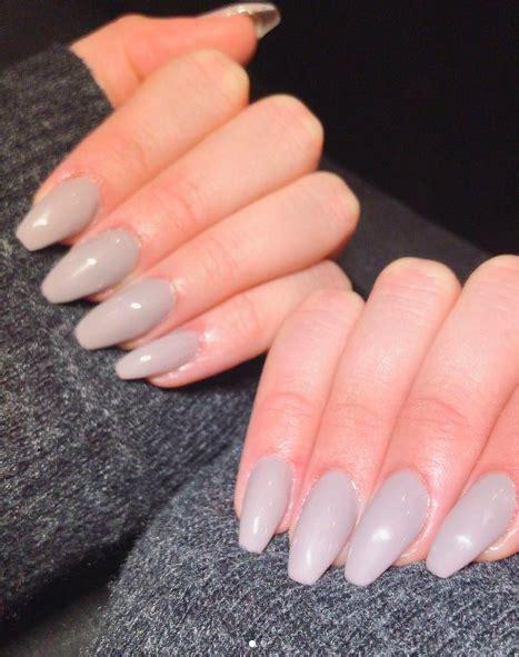 navy crisp white und  das sind die nagellackfarben
