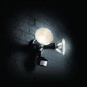 wickes 120w twinspot pir floodlight wickescouk With outdoor security lights wickes