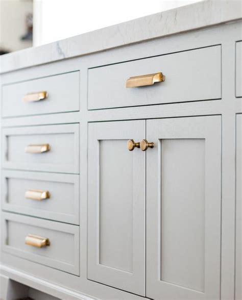 changer les portes de cuisine stunning changer les boutons et les poignes avec des pices