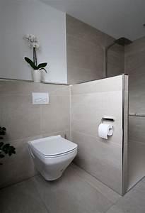 Kleines Wc Fliesen : die besten 17 ideen zu duschen auf pinterest badezimmer duschen ~ Markanthonyermac.com Haus und Dekorationen