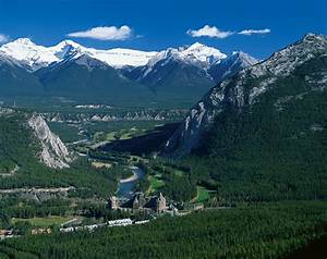 Banff Springs Hotel – Fairytale Castle In The Mountains