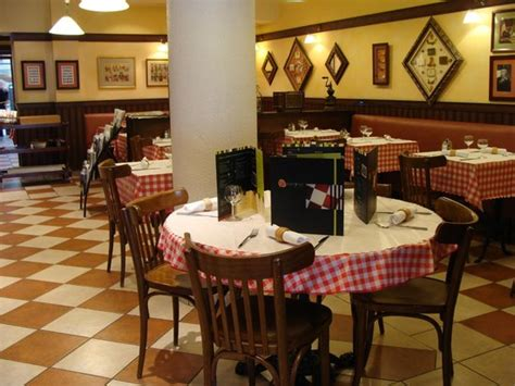 restaurant cuisine traditionnelle le restaurant picture of l 39 estaminet lorient tripadvisor