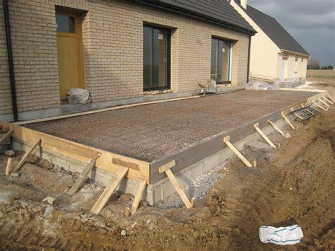 nivrem terrasse bois sur dalle beton diverses id 233 es de conception de patio en bois pour