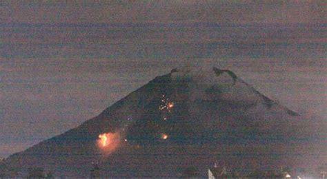 koleksi foto detik detik meletusnya gunung sinabung wahw33d