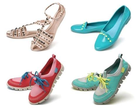 jelly shoes  rainy season  chosun ilbo