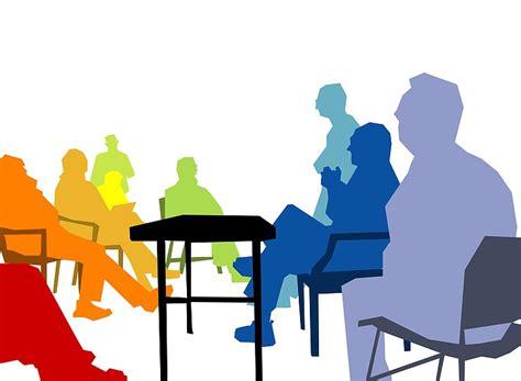 Reunión De Padres Para Explorar Necesidades Específicas De
