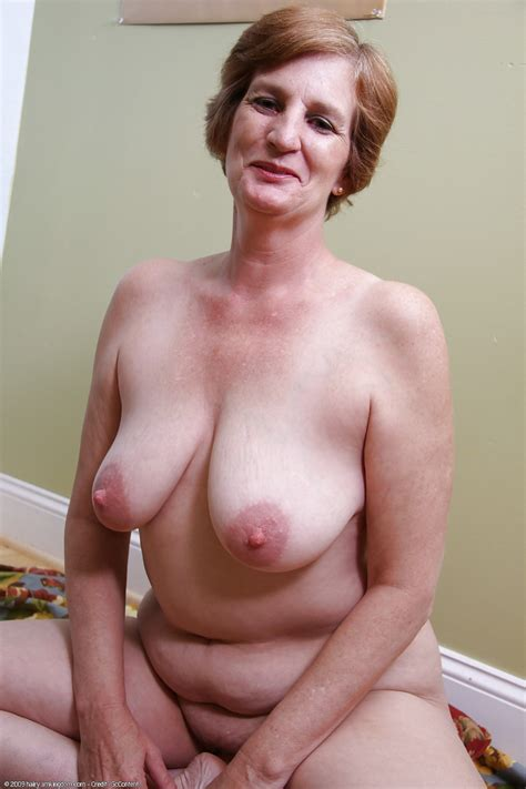 Milf Mature Old Wife Panties Shaved Pussy Undressed