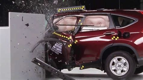 crash test siege auto 2013 2013 honda crv crash test iihs small overlap test