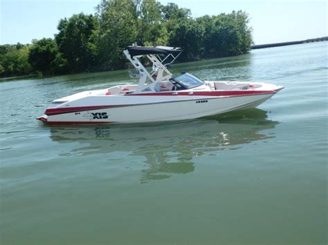 Axis Boat Underwater Lights by Axis Research A24 Boats For Sale