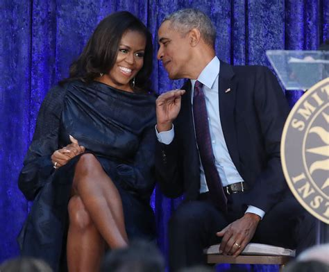 barack  michelle obama sign production deal