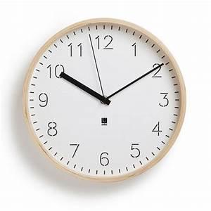 Pendule à Poser : horloge murale ou poser en bois naturel rimwood umbra ~ Teatrodelosmanantiales.com Idées de Décoration