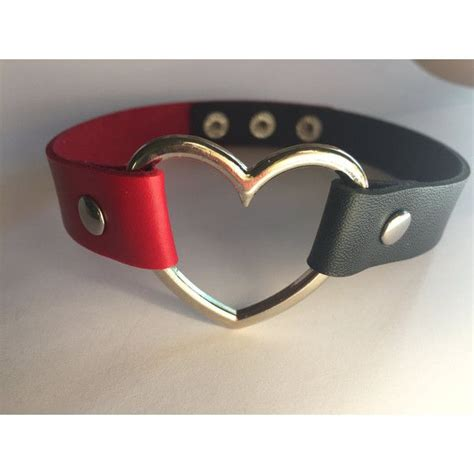 harley quinn halsband 17 best images about harley quinn on margot robbie katana and batman the animated