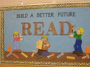 Construction theme i used wooden letters from hobby lobby for Hobby lobby bulletin board letters