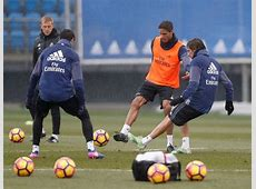 Varane trains with the group Real Madrid CF