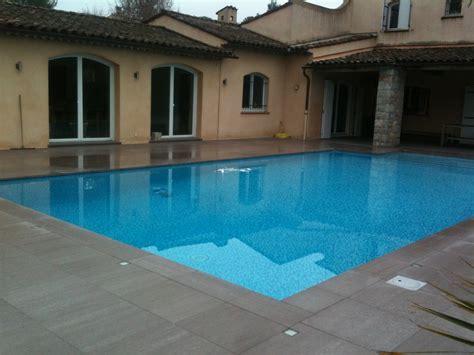 carrelage plage piscine gris carrelage terrasse piscine