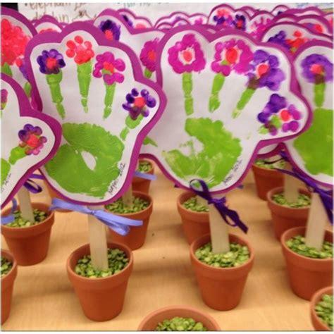 muttertagsgeschenke basteln kindergarten resultado de imagen de muttertag basteln mit kindern familia familie muttertag muttertag