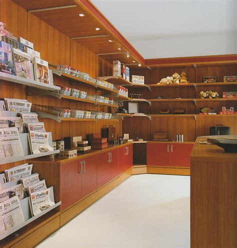 accessori arredamento negozi arredamento negozi tabaccherie edicole arredo negozio