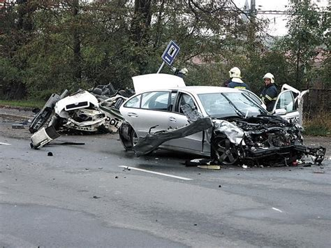 W211 crash with police car - the result - MBWorld.org Forums