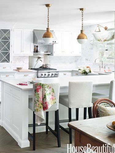 kitchen with wood floors 25 best ideas about classic white kitchen on 8746
