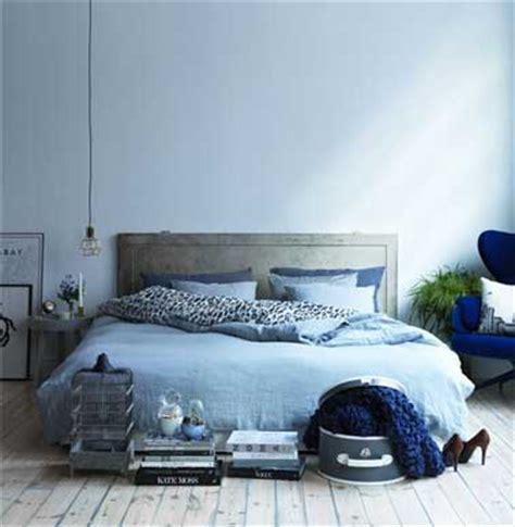 chambre couleur bleu et gris quelle couleur pour une chambre favorisant le repos