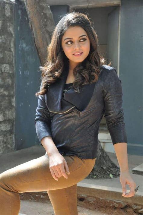Punjabi Actress Wamiqa Gabbi Hot Latest Photoshoot Gallery ...