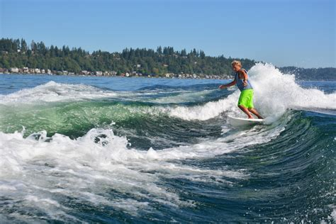Wake Boat For Surfing by Double Boat Wakesurfing How To Surf The Spine Boarders