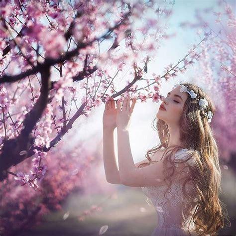 trees flowers girl hair blue sky crown flowers ideias