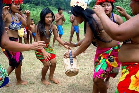 Visit To The Ember Quera Indians One Day Tours Panama