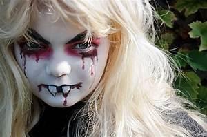 Schminken Zu Halloween : vampir gesichter schminken ~ Frokenaadalensverden.com Haus und Dekorationen