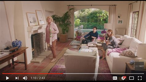 home again interiors set designs of the new nancy meyers movie home again the elizabeth street post a lifestyle