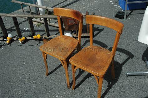 repeindre des chaises repeindre chaise en bois relooker une chaise en bois