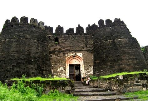 stunning pics maharashtras majestic forts rediff getahead