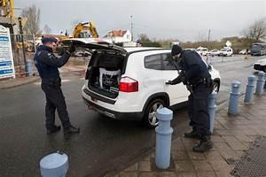 Site De Voiture Belge : sur la c te belge chaque voiture venant de france est contr l e la croix ~ Gottalentnigeria.com Avis de Voitures