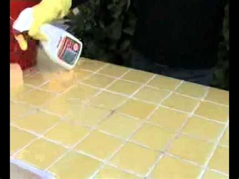 enlever moisissure joint salle de bain comment enlever les moisissures de mes joints de salle de bain