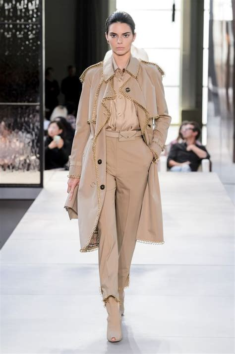 31 Spring 2019 Fashion Trends - Top Spring Runway Trends ...