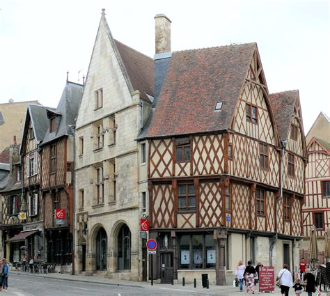 bourges sur topsy one