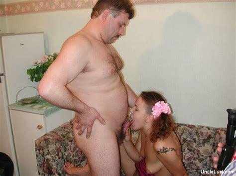 Dad With 8yo Daughter Download Foto Gambar Wallpaper Film ...