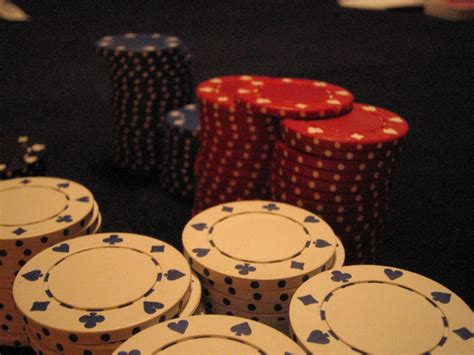 miscellaneous poker chips picture nr