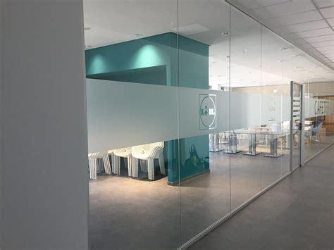 Sichtschutzfolie Fuer Fenster by Sichtschutzfolien F 252 R Fenster T 252 Ren Montage Wegaswerbung