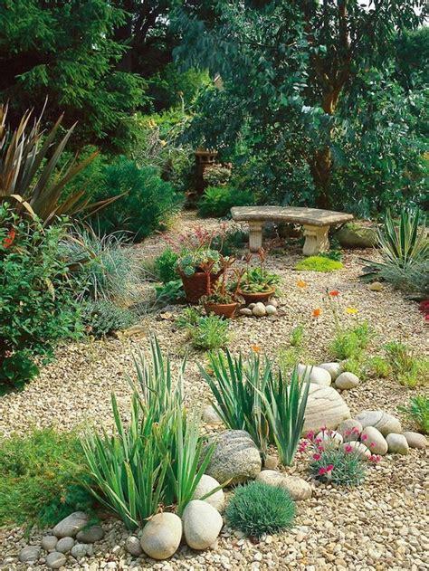 decoration parterre avec galets les 537 meilleures images du tableau jardinage sur piquer sauvages et galets