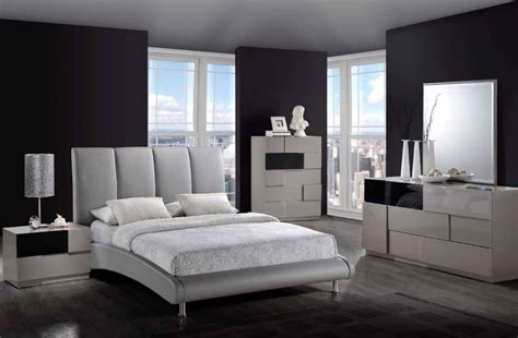 Modern Gray Bedroom With Fashionable
