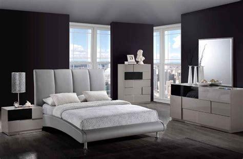 Gray Bedroom Sets  Minimalist Bedroom Ideas With Gray