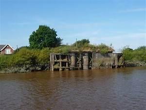 Long Drax swing bridge - Wikipedia