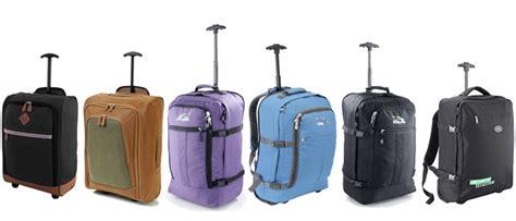 cabin baggage size ryanair can i take a handbag and luggage on ryanair 2017