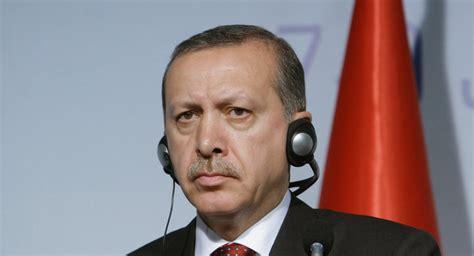 Le président turc recep tayyip erdogan a averti emmanuel macron alors que la tension monte entre les deux pays à propos de la situation en méditerranée. Turquie: Erdogan s'est construit un nouveau palais pour ...